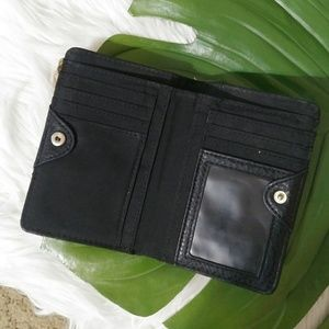 Relic Bags - Relic black and tan wallet
